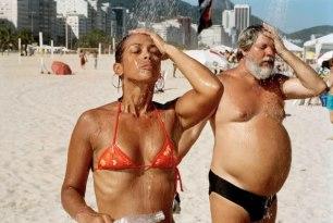 martin-parr-couple-showering-copacabana-beach-2007