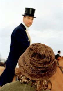 GB. England. Didmarton. A fox hunt. 2000.